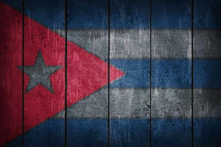 오래 된 나무 상처에 그려진 쿠바 플래그