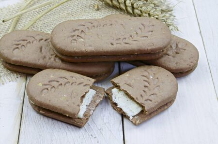 filling: Creamy filling cocoa biscuits made with wholegrain