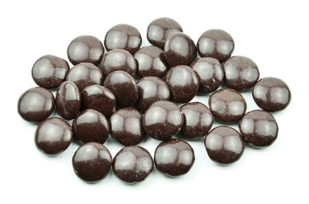 dragees: Milk chocolate dragees in crispy shells