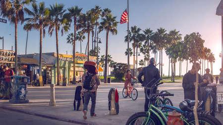 Los Angeles, California 04.10.2016 Venice Beach in the evening 에디토리얼