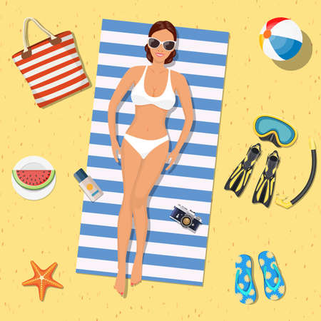 Pretty girl is lying on the beach 向量圖像