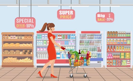 Young woman shopping for groceries Archivio Fotografico - 130097563