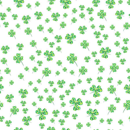 Seamless pattern with green mosaic clover leaves. Modern background with repeating elements for packaging, printing, fabric. Vector illustration Ilustrace