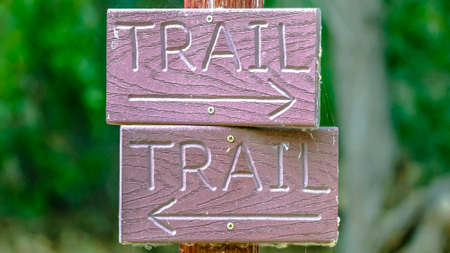 Close up of directional hiking trail sign in Provo 스톡 콘텐츠