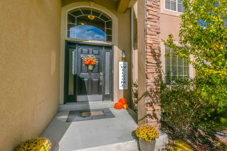 Entryway of a home in sunny Eagle Mountain Utah Stock Photo