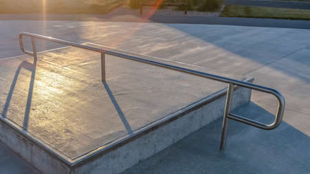 Panorama frame Concrete square platform at a park viewed on a sunny day Foto de archivo - 124256544