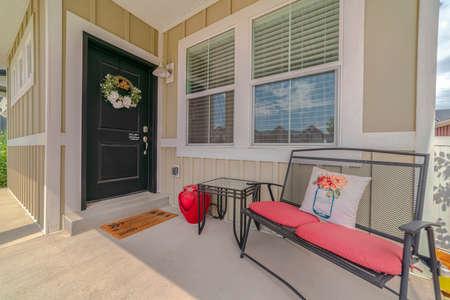 Front veranda and door of suburban home Stockfoto