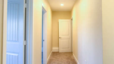 Panorama Empty Hallway in a Southern California home ready to be listed for real estate Reklamní fotografie