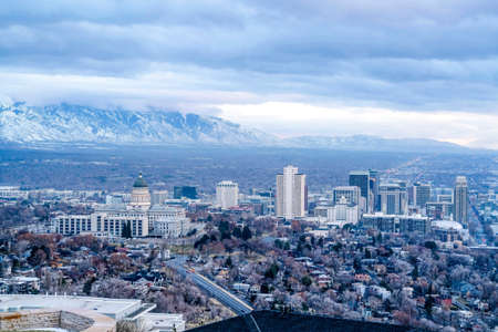 Utah State Capital Building and skyscrapers on an aerial view of Salt Lake City Standard-Bild