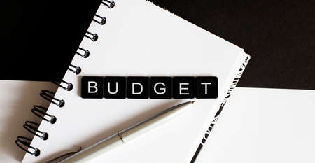 Business Words on notepad. Work business tex Budget with pen Stockfoto