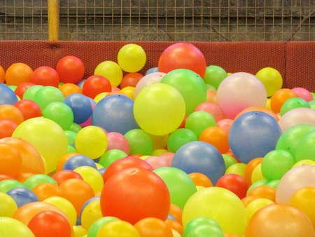 multiple: Balls of multiple colour.