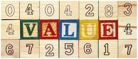 """valor: Palabra """"VALOR"""" de bloques de madera del alfabeto"""