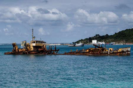 ship wreck: Ship Wreck