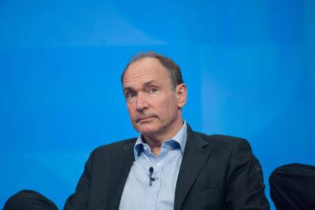 uitvinder: ORLANDO, FLORIDA - 18 januari 2012: Uitvinder en oprichter van World Wide Web Sir Tim Berners-Lee leveren een adres aan IBM Lotusphere 2012 conferentie op 18 januari 2012. Hij spreekt over het sociale web Redactioneel