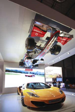 analytic: MADRID, ESPA�A, Nov 13, 2012 - McLaren carrera real y Espa�a colgando boca abajo coches de F�rmula Uno presentar� el software de SAP SAPPHIRE NOW anal�tica en conferencia el 13 de noviembre de 2012 en Madrid, Editorial