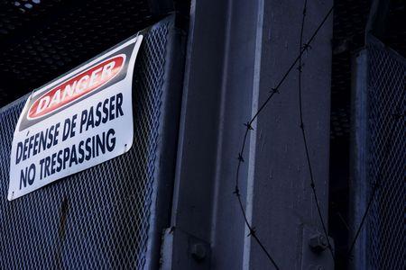 prohibido el paso: No traspasar