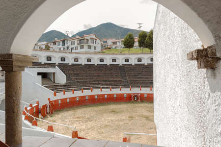 GUATAVITA, COLOMBIA - inside arc view of guatavita's town bullring at sunny morning. Architecture and landmark concept Standard-Bild