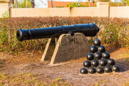 The sculpture of cannon and cannonballs in Saint Augustine, USA Stok Fotoğraf