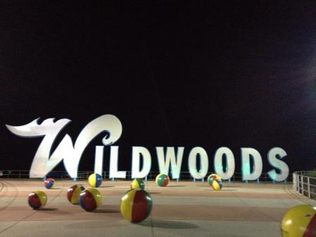 wildwood: Wildwood sign representing one of the boardwalks of New Jersey