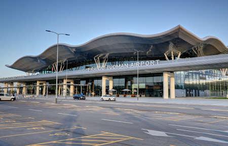 クロアチア、ザグレブの Franjo Tudjman 空港の本館。
