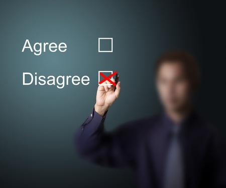verschillen: zakenman stemmen niet mee eens