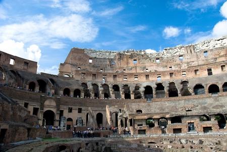 Le rovine del Colosseo, Roma, Italia