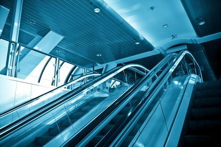 Scale mobili nel moderno centro business