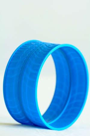 a loop: Round blue plastic loop