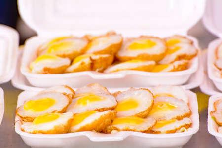 codorniz: Huevos de codorniz Knmcrk Foto de archivo
