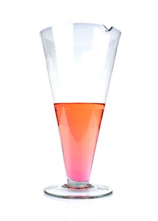 material de vidrio: Vaso de Laboratorio, cristaler�a de laboratorio aislado en fondo blanco