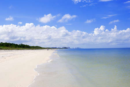 barefoot beach flordia Imagens - 65640442