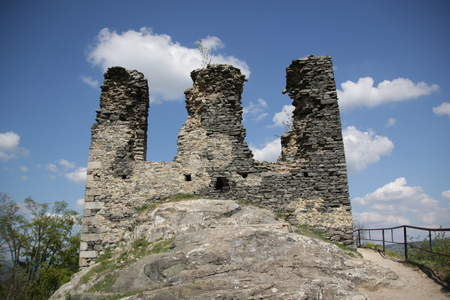 donjon: Ruins of Andelska Hora castle in Czech republic
