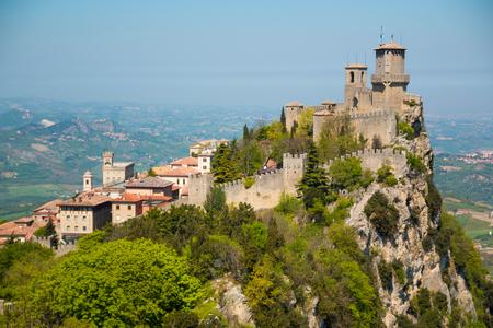 グアイタ要塞が古く、サンマリノの最も有名なタワー 写真素材