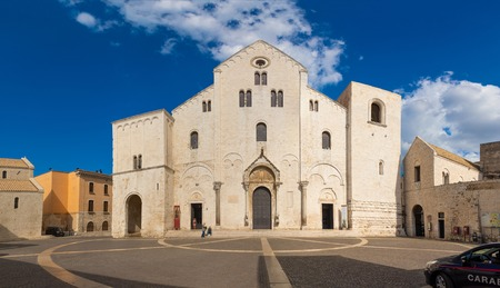 Bari, Italia - 5.05.2018: Famous Saint Nicholas church in Bari