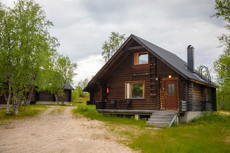 Palojarvi, Finland - 19.06.2018: Finnish Wild hut in national park is place for travelers in camping site, Finland Redactioneel