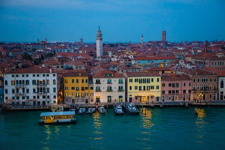 Night view of old houses on Grand Canal in Venice in Italy Archivio Fotografico