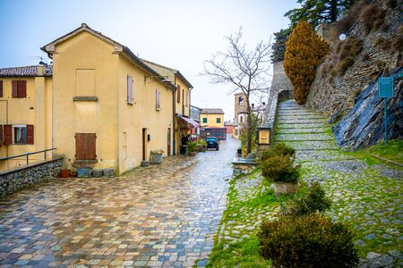Montebello, Italien - 2.02.1019: Das Feendorf Montebello. Die Legende von Azzurrinas Geist, Rimini in Italien