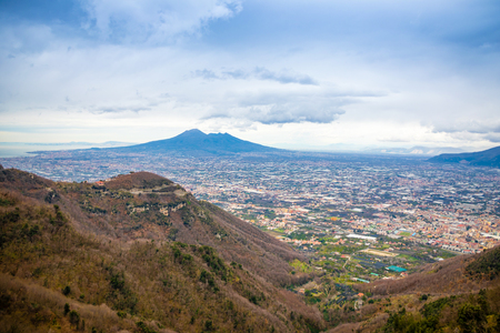 Panorama of volcano Vesuvio and Pompei in the evening in Italy Banque d'images
