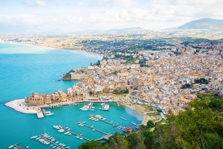 Aerial panoramic view of Castellammare del Golfo town in Trapani, Sicily, Italy Foto de archivo - 119250013