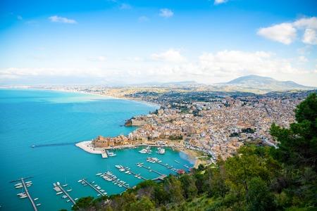 Aerial panoramic view of Castellammare del Golfo town in Trapani, Sicily, Italy Foto de archivo - 119250037