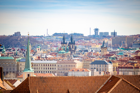 Panoramic view of Prague in sunny spring time, Czech republic Foto de archivo - 121433017