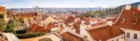 Panoramic view of Prague in sunny spring time, Czech republic Foto de archivo - 121435301