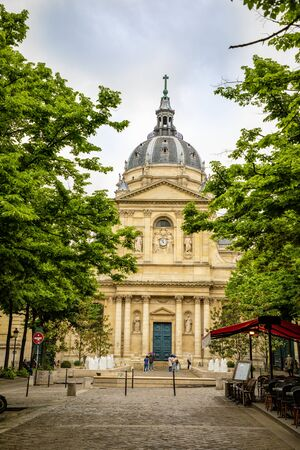 Paris, France - 24.04.2019: Sorbonne square and College de Sorbonne, founded in 1257 by Robert de Sorbon as one of the first colleges of medieval University, Paris, France Éditoriale