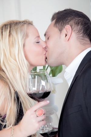 suitor: A closeup shoot from a intensive couple kiss