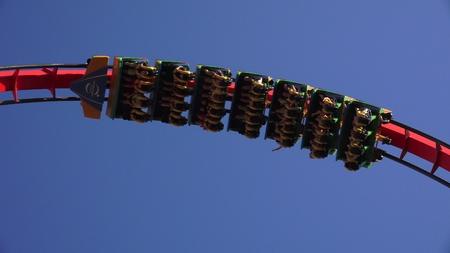 ローラー コースターのテーマパークのアトラクション