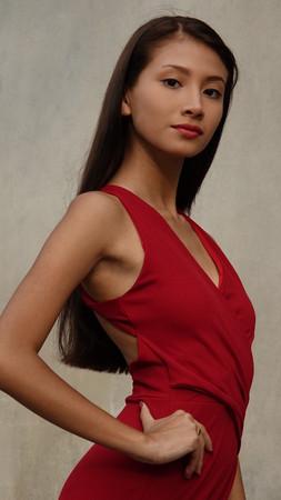 Female Teen In Red Dress 版權商用圖片