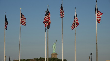 미국 국기와 자유의 여신상