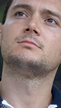 不思議な剃毛男性 写真素材