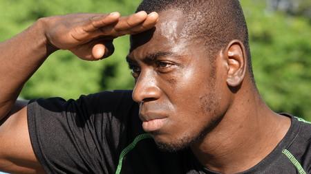 Black Male Athlete Searching Banco de Imagens