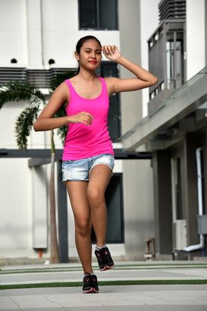 Running Fitness Filipina Athletic Girl 스톡 콘텐츠